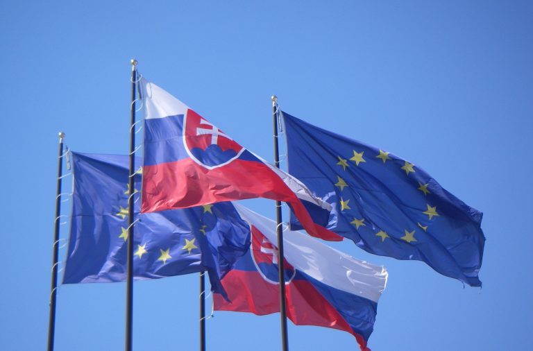EU_and_Slovakia_flags