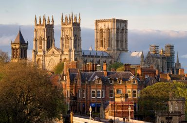 York_Minster_from_the_Lendal_Bridge